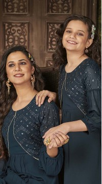 ROTRT1590-131322 Readymade Designer Party Wear Readymade Heavy Blumming Georgette Mother & Daughter Gown